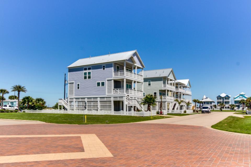 Seaside Haven - Galveston Vacation Rental - Photo 34