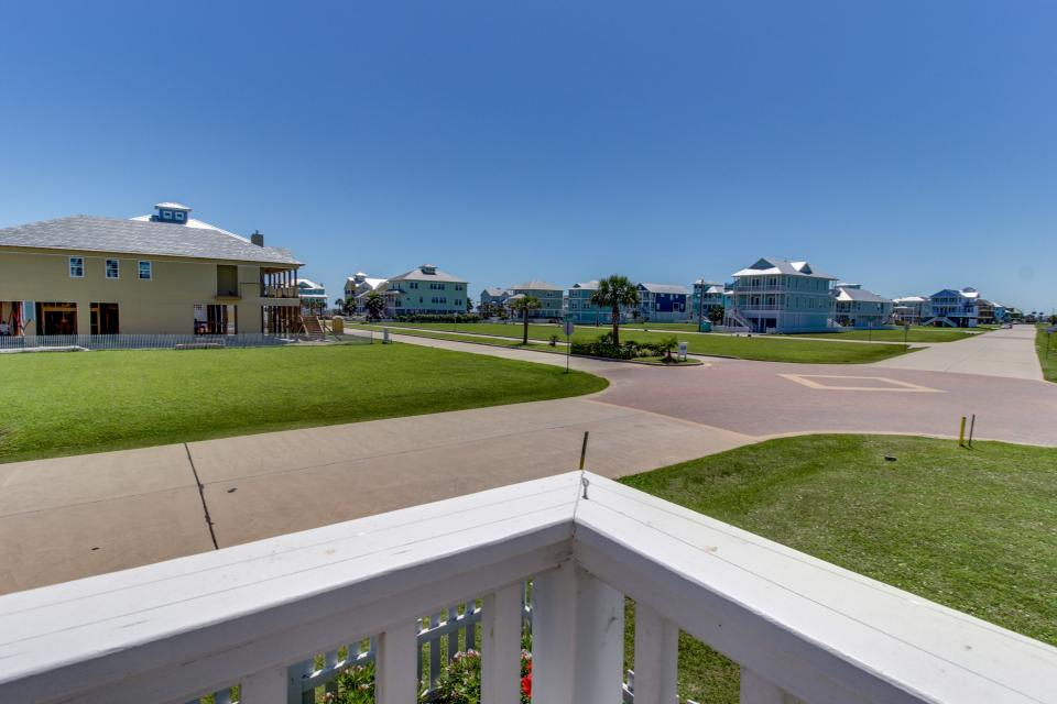 Seaside Haven - Galveston Vacation Rental - Photo 32
