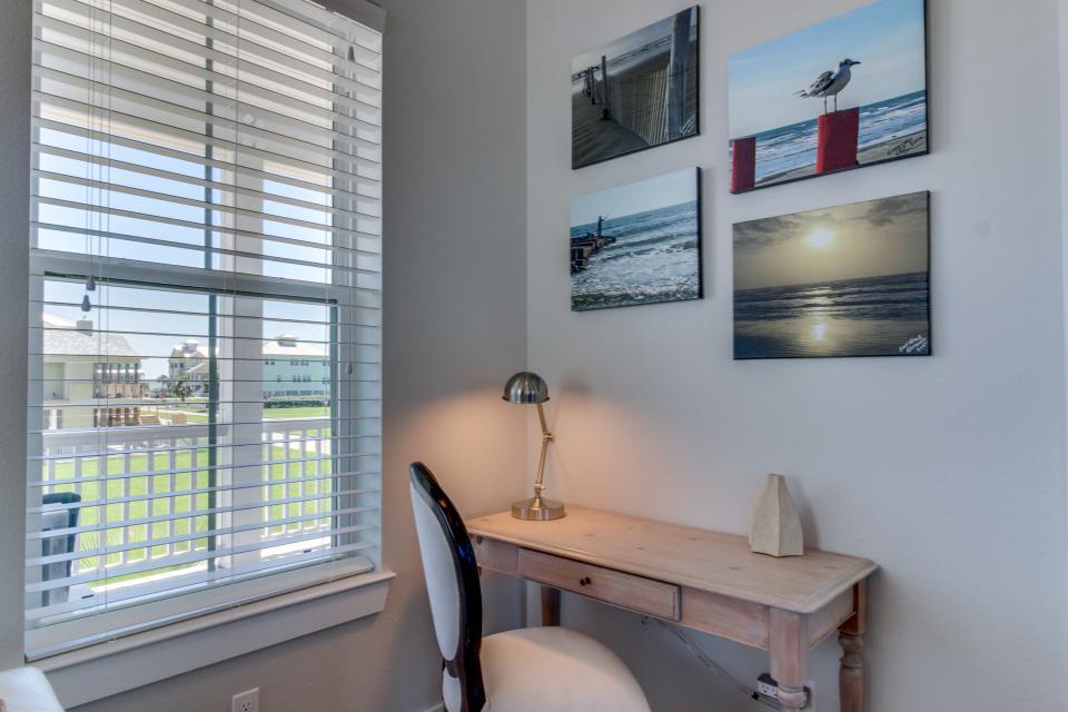 Seaside Haven - Galveston Vacation Rental - Photo 23