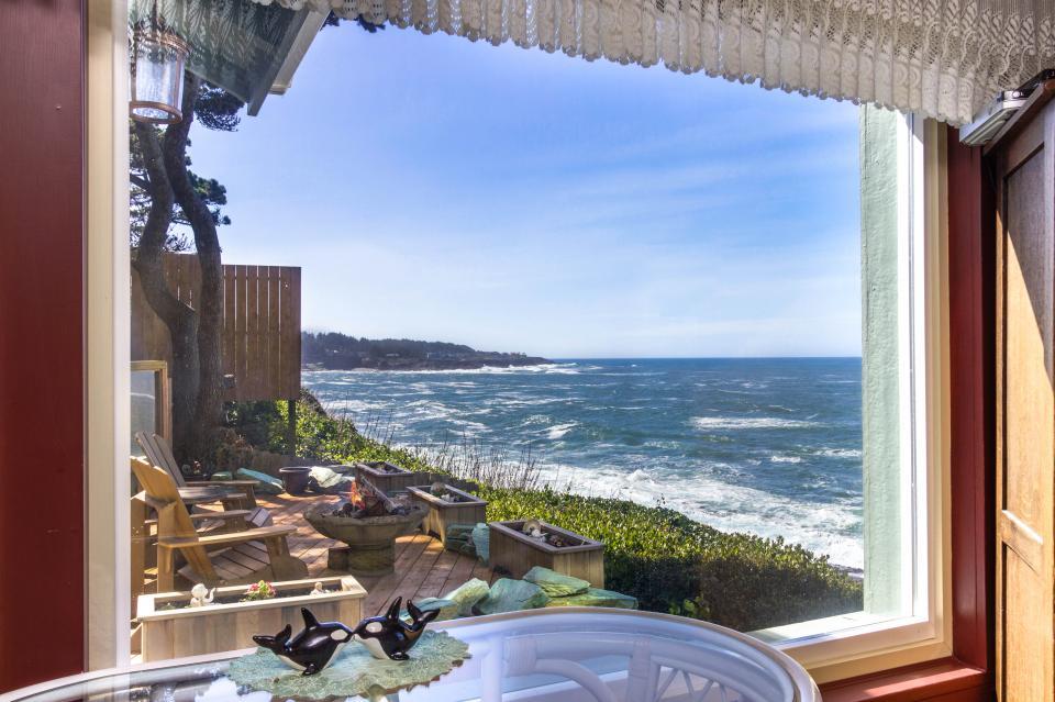 Ocean Garden Suite - Depoe Bay Vacation Rental - Photo 15