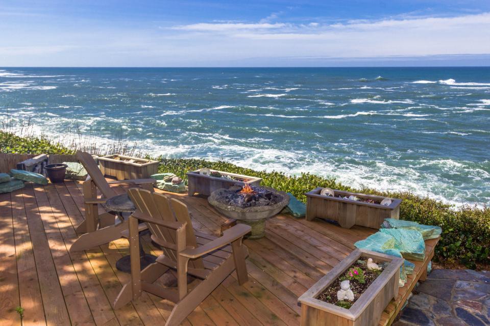 Ocean Garden Suite - Depoe Bay Vacation Rental - Photo 1