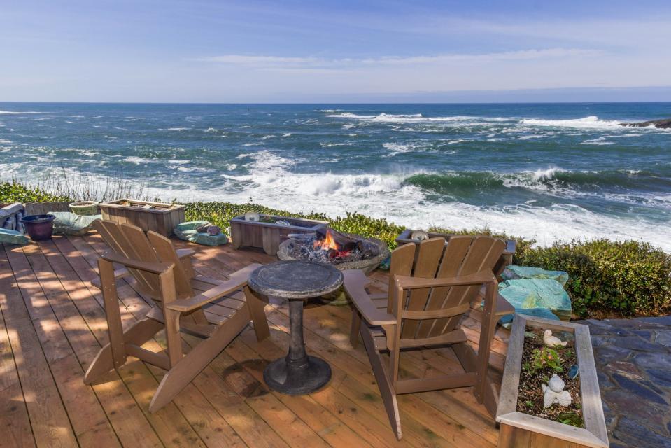 Ocean Garden and Sea Rose Suites - Depoe Bay Vacation Rental - Photo 2