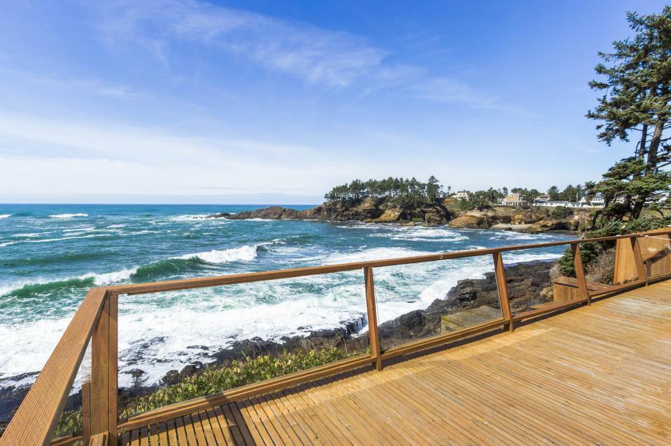 Ocean Garden and Sea Rose Suites - Depoe Bay Vacation Rental - Photo 1