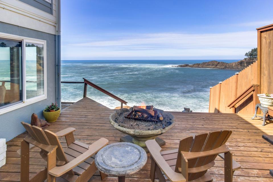 Ocean Garden and Sea Rose Suites - Depoe Bay Vacation Rental - Photo 14