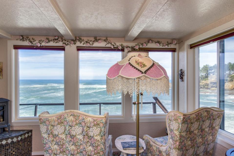 Ocean Garden and Sea Rose Suites - Depoe Bay Vacation Rental - Photo 19