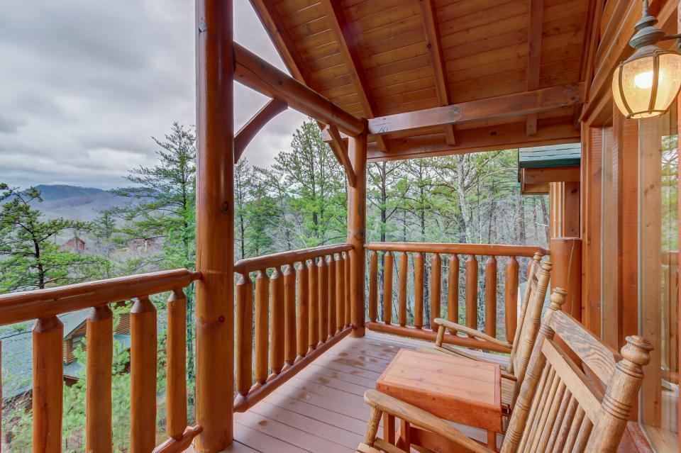 Mountain Escape  - Sevierville Vacation Rental - Photo 26