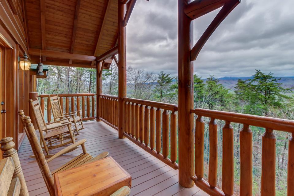 Mountain Escape  - Sevierville Vacation Rental - Photo 14
