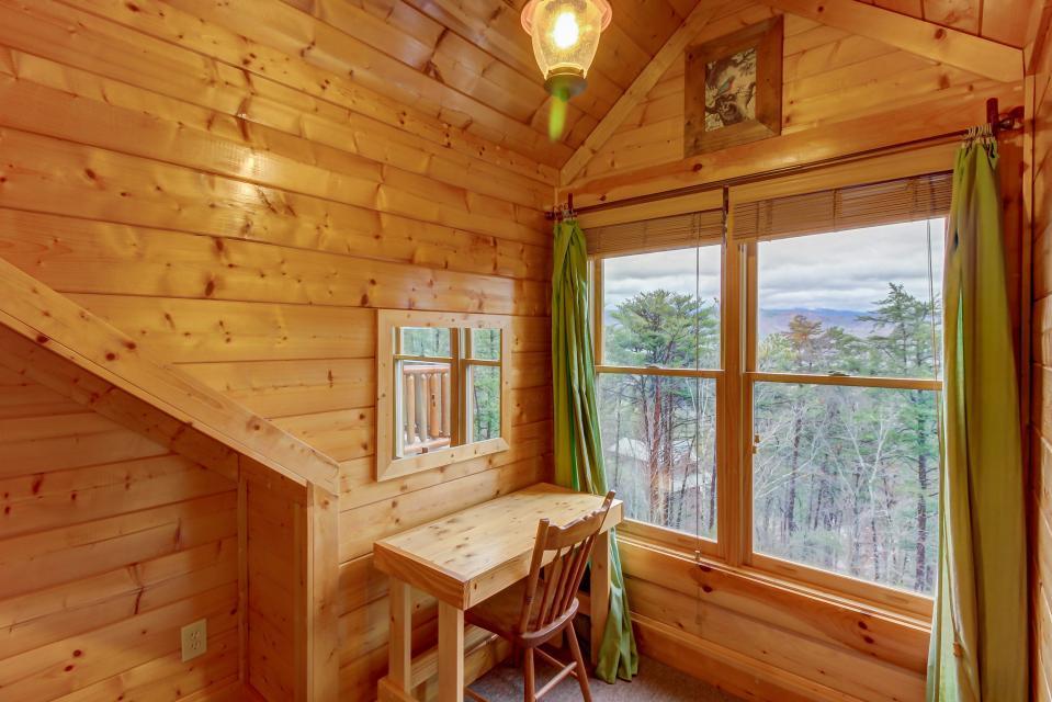 Mountain Escape  - Sevierville Vacation Rental - Photo 35