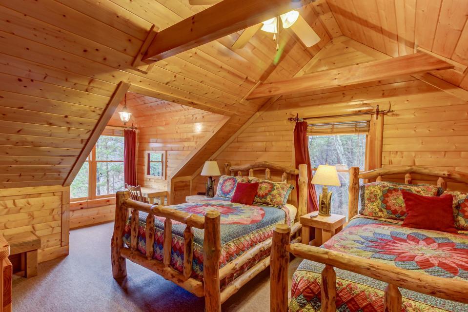 Mountain Escape  - Sevierville Vacation Rental - Photo 38