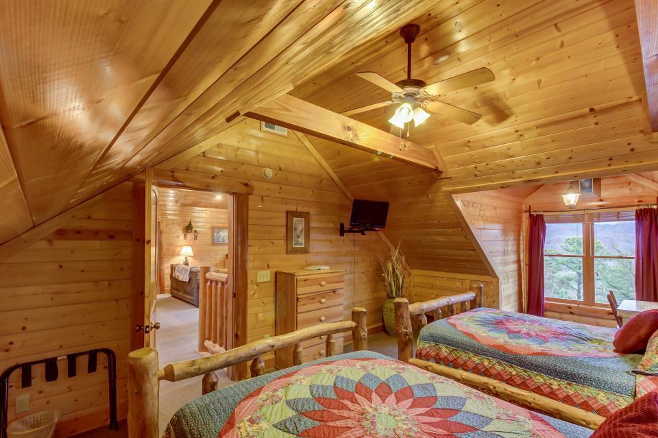 Mountain Escape  - Sevierville Vacation Rental - Photo 39