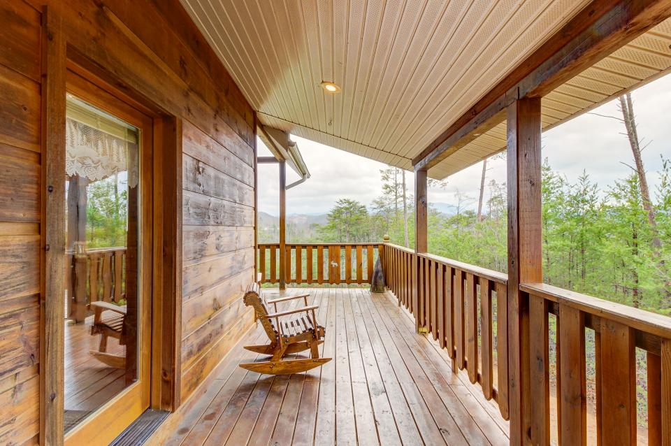 An Indian Dream Cabin - Sevierville Vacation Rental - Photo 23
