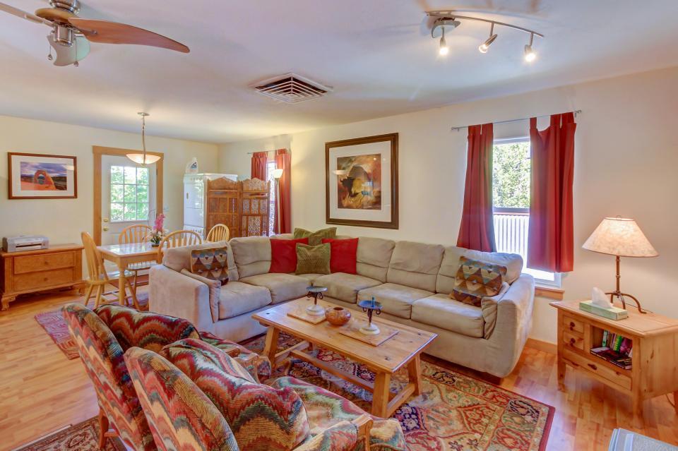 Cottonwood Cottage - Moab Vacation Rental - Photo 3