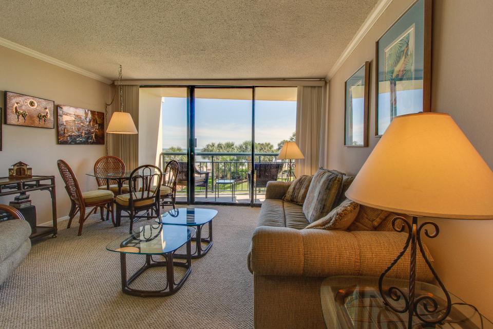 San Luis Getaway - Galveston Vacation Rental - Photo 2