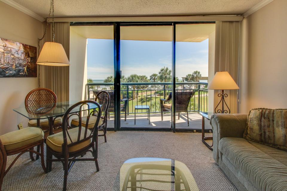 San Luis Getaway - Galveston Vacation Rental - Photo 13