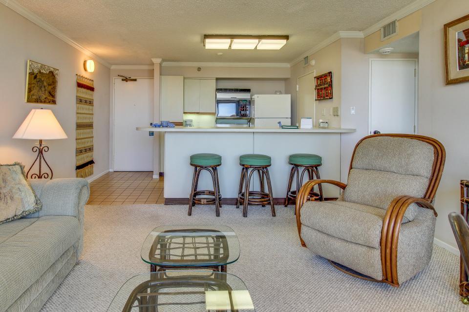 San Luis Getaway - Galveston Vacation Rental - Photo 3