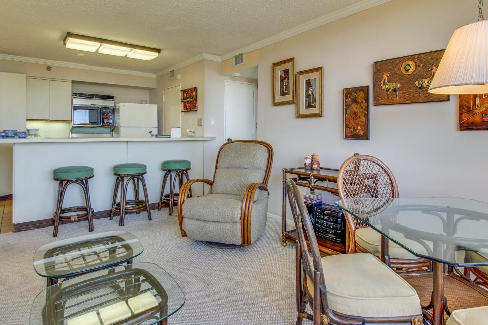 San Luis Getaway - Galveston Vacation Rental - Photo 14