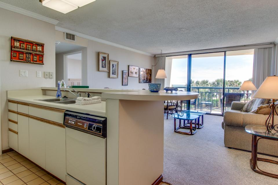 San Luis Getaway - Galveston Vacation Rental - Photo 8
