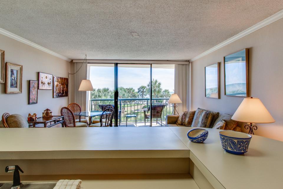 San Luis Getaway - Galveston Vacation Rental - Photo 12