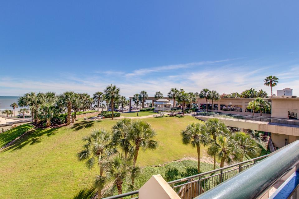 San Luis Getaway - Galveston Vacation Rental - Photo 5