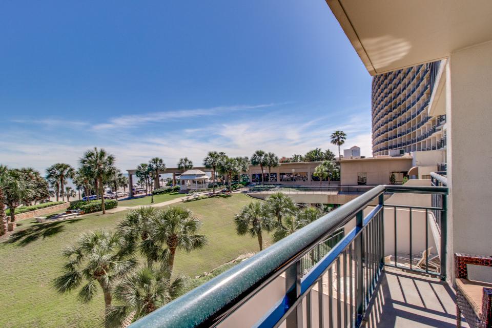 San Luis Getaway - Galveston Vacation Rental - Photo 11
