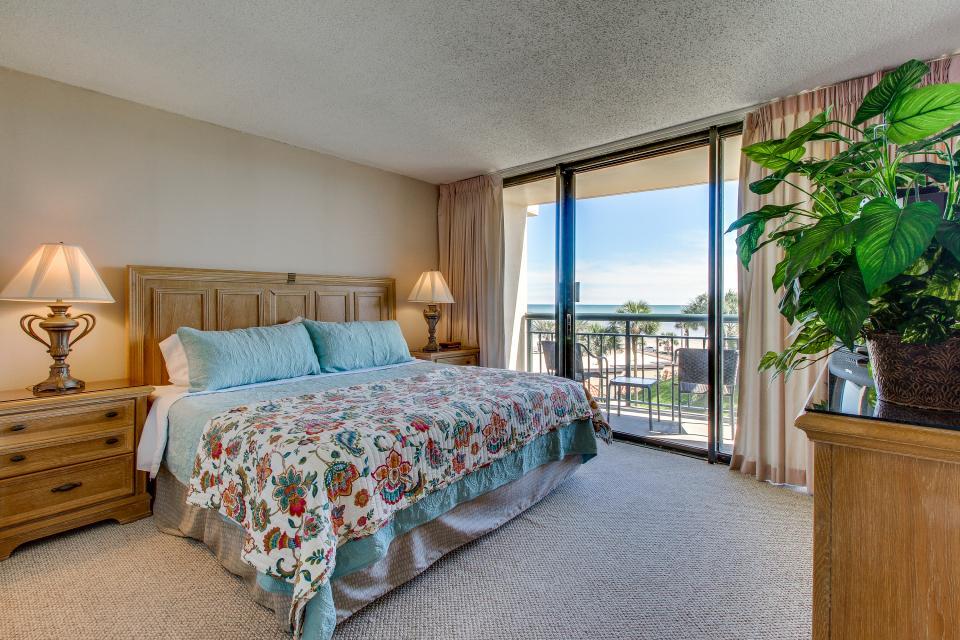 San Luis Getaway - Galveston Vacation Rental - Photo 17