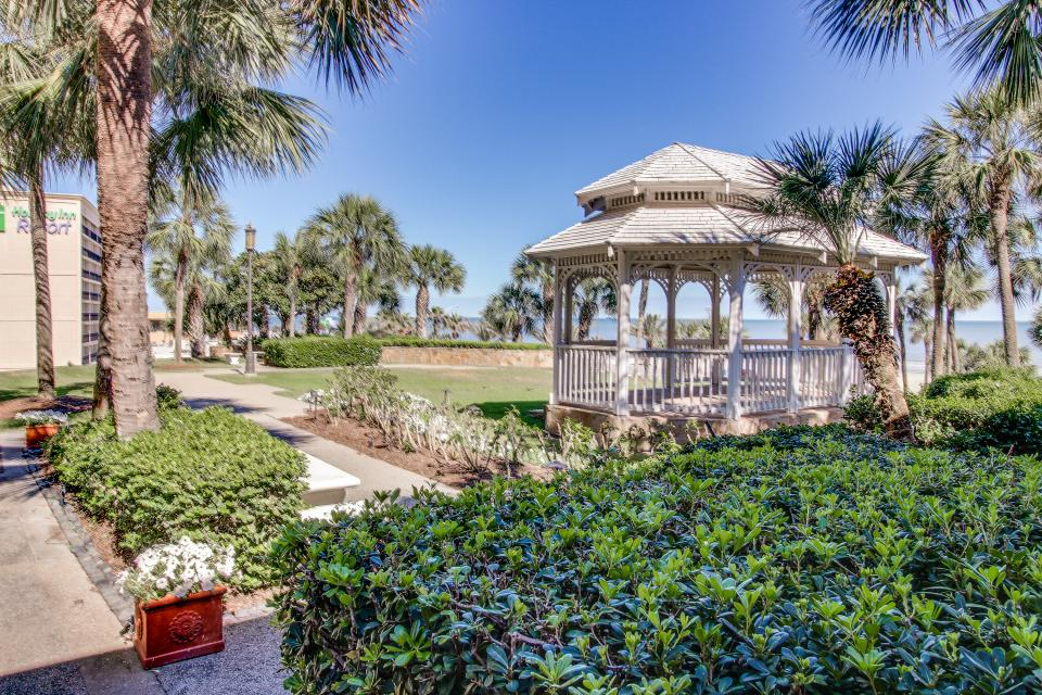 San Luis Getaway - Galveston Vacation Rental - Photo 6