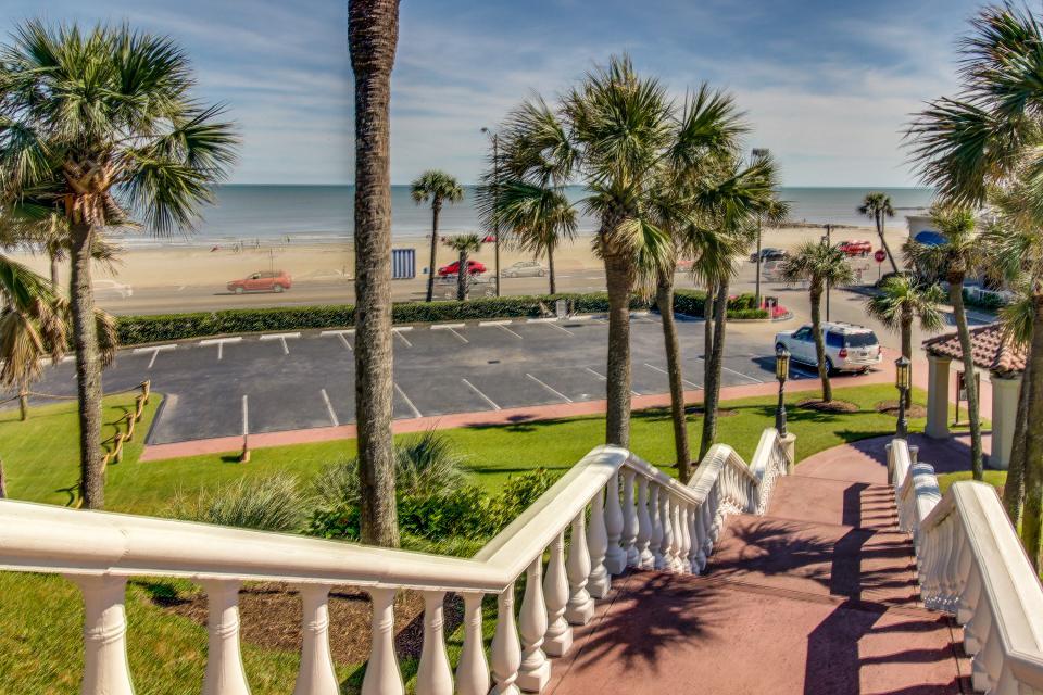 San Luis Getaway - Galveston Vacation Rental - Photo 33