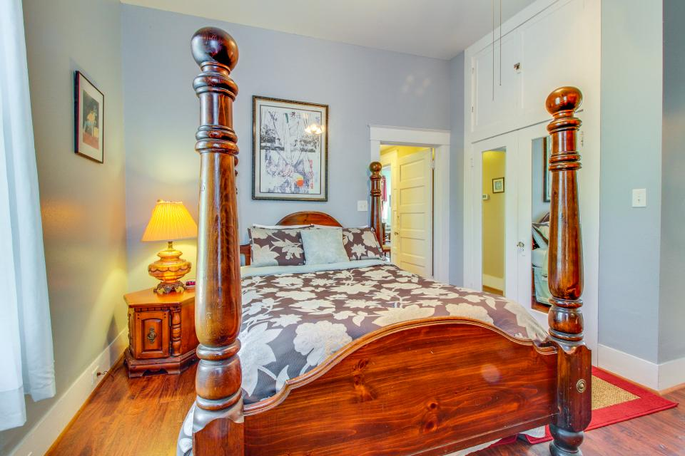 Three Sisters: Belle - Galveston Vacation Rental - Photo 27