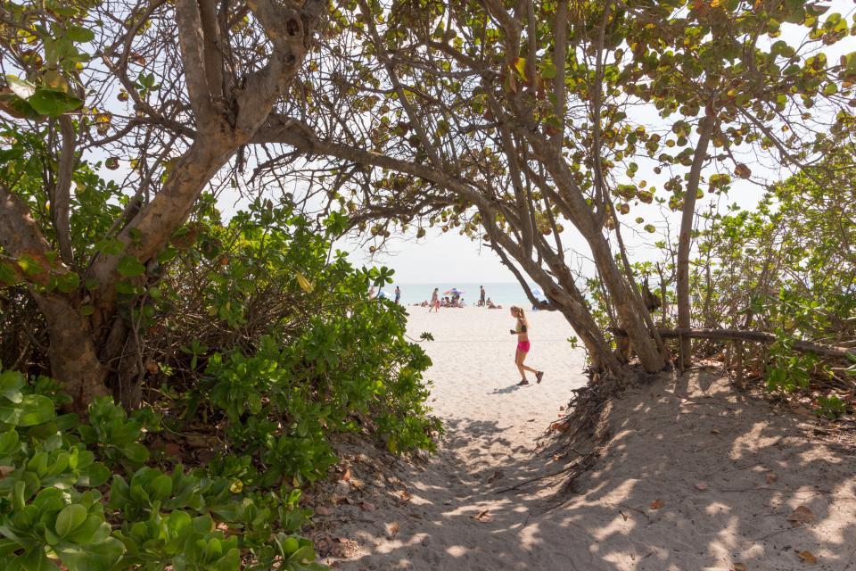 Castle Beach: Pavillon 1 Condo - Miami Beach Vacation Rental - Photo 21