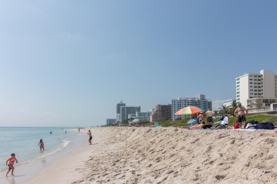 Castle Beach: Pavillon 1 Condo - Miami Beach Vacation Rental - Photo 18