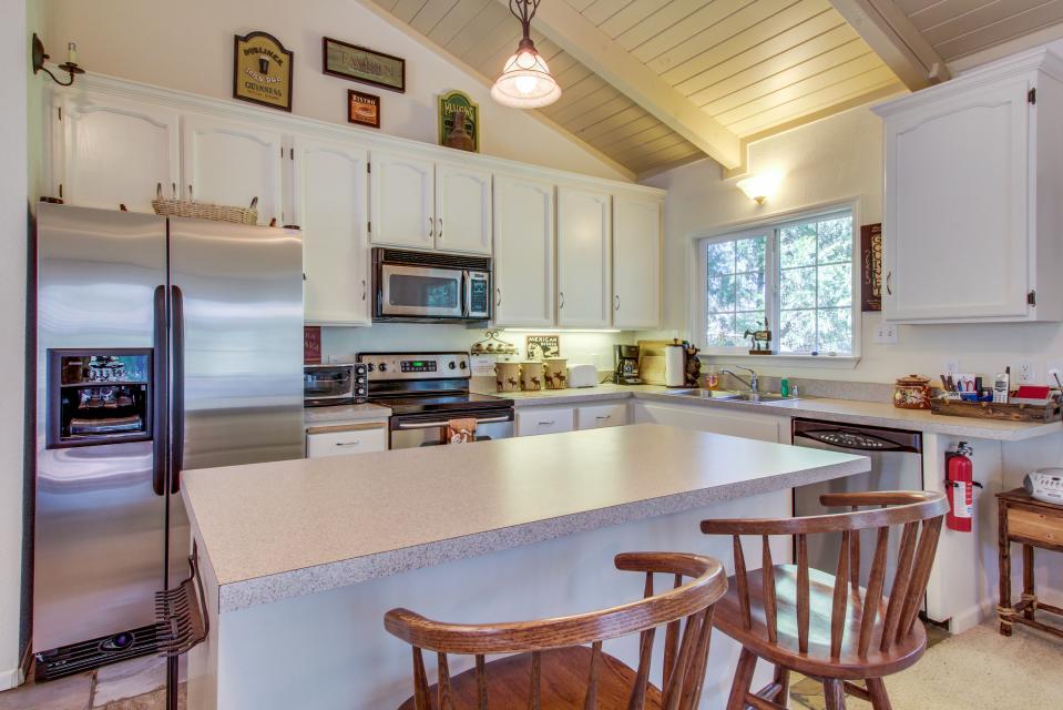 Quiet Forest Getaway - Groveland Vacation Rental - Photo 8