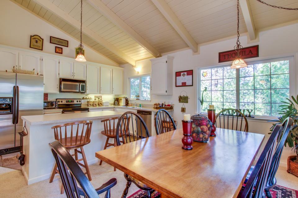 Quiet Forest Getaway - Groveland Vacation Rental - Photo 11