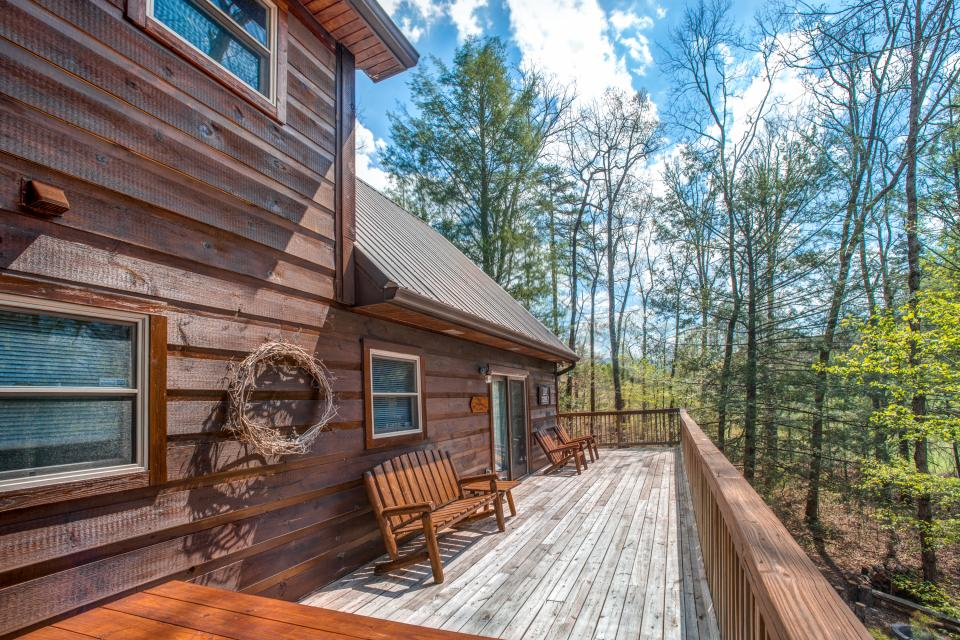 Two Bears  - Sevierville Vacation Rental - Photo 3
