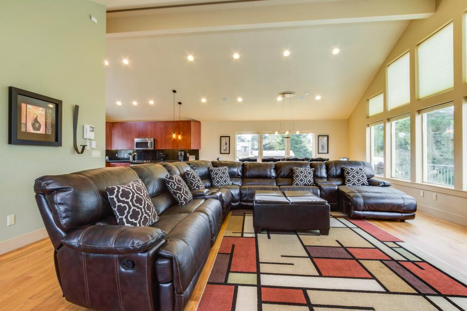 Helamans House - Lincoln City Vacation Rental - Photo 3