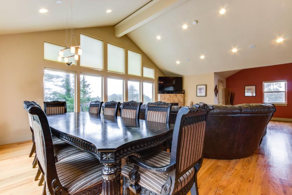 Helamans House - Lincoln City Vacation Rental - Photo 9