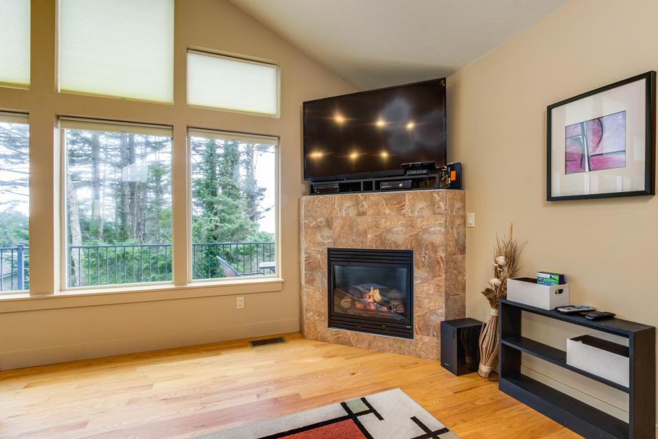 Helamans House - Lincoln City Vacation Rental - Photo 6