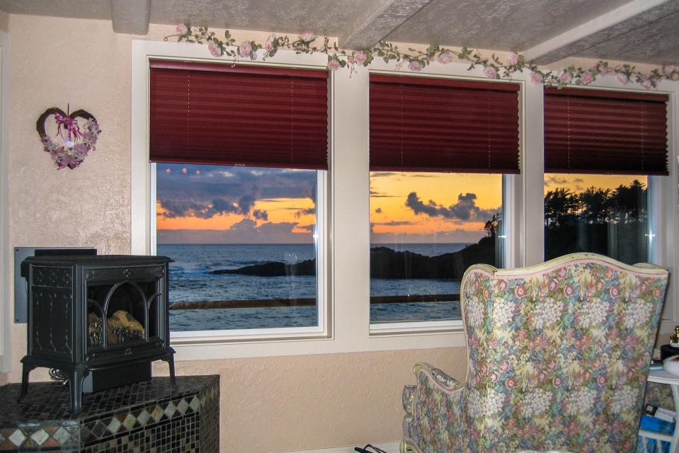 Sea Rose Suite - Depoe Bay Vacation Rental - Photo 6