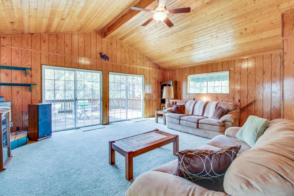Pinetop Lakefront Home - Groveland Vacation Rental - Photo 6