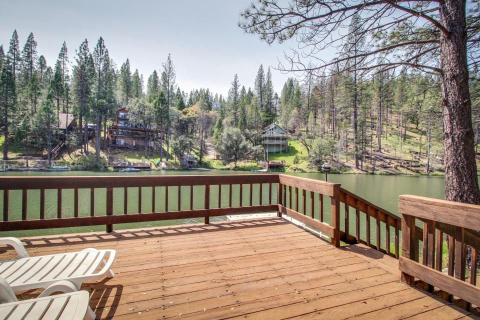 Pinetop Lakefront Home - Groveland Vacation Rental - Photo 27