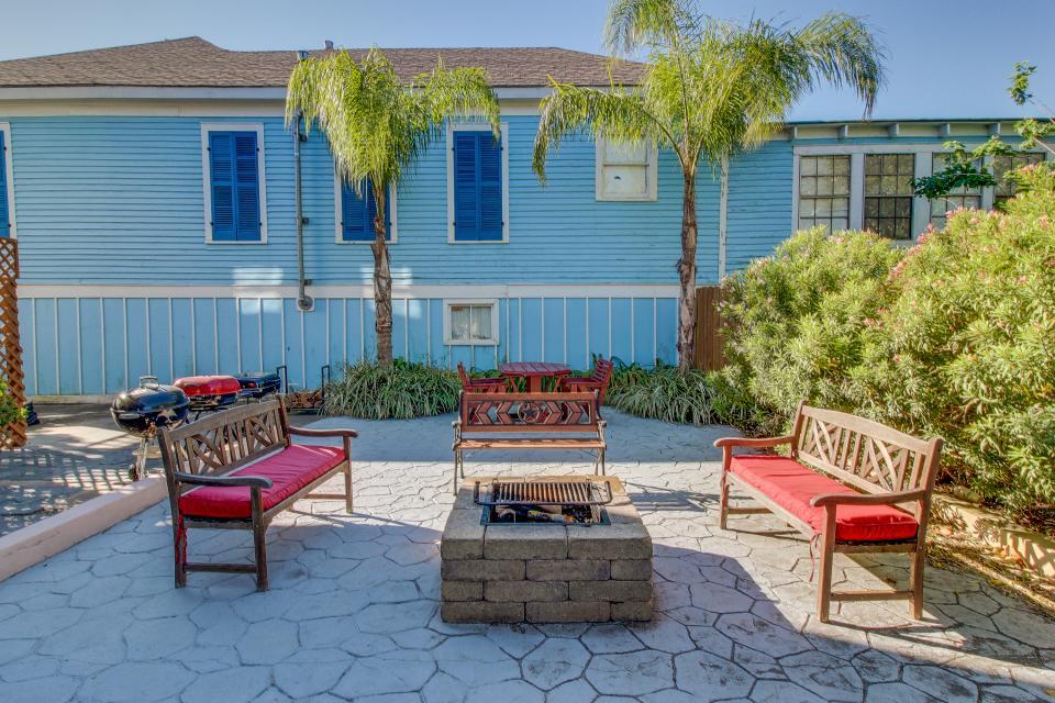 Three Sisters: Ruby - Galveston Vacation Rental - Photo 3