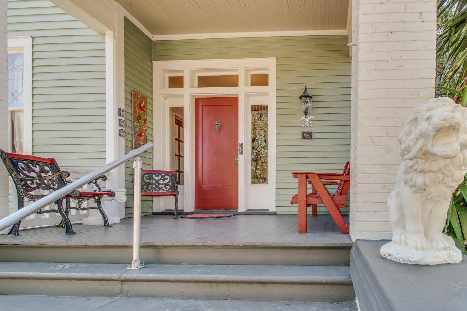 Three Sisters: Ruby - Galveston Vacation Rental - Photo 32