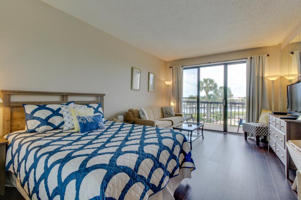 Pirates Bay A-211 - Fort Walton Beach - Take a Virtual Tour
