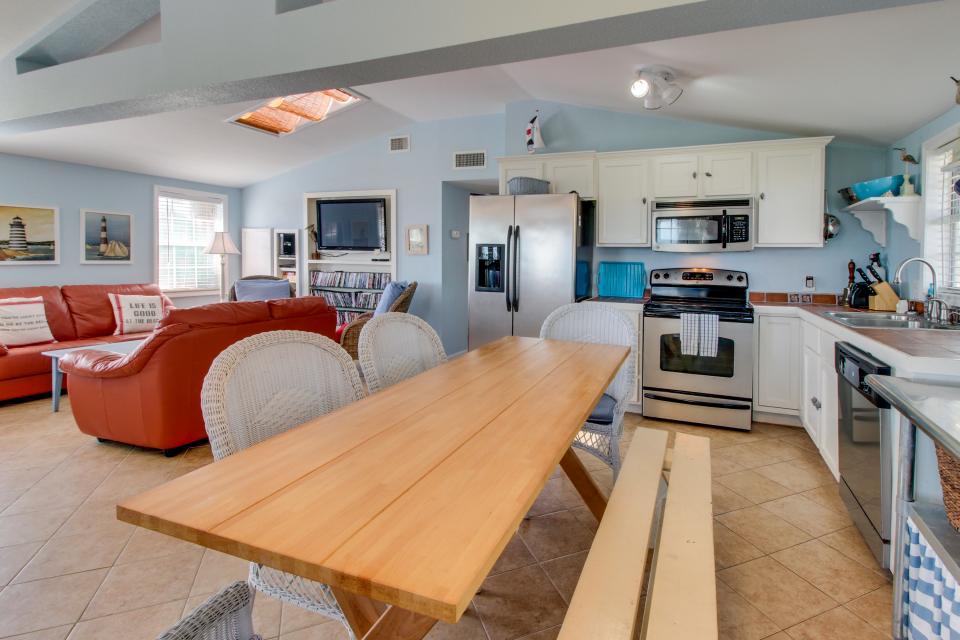 Sea Breeze Cottage - Galveston Vacation Rental - Photo 14