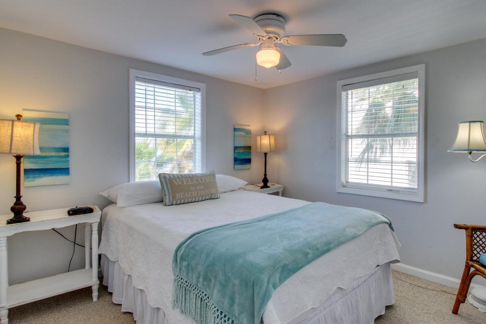 Sea Breeze Cottage - Galveston Vacation Rental - Photo 15