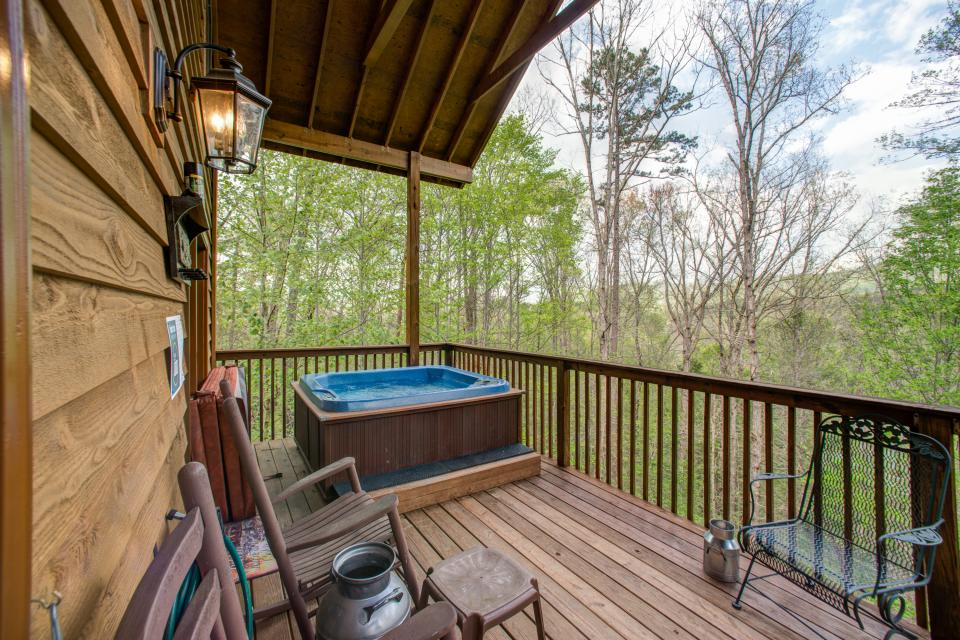 Mountain Breeze Cabin - Sevierville Vacation Rental - Photo 25