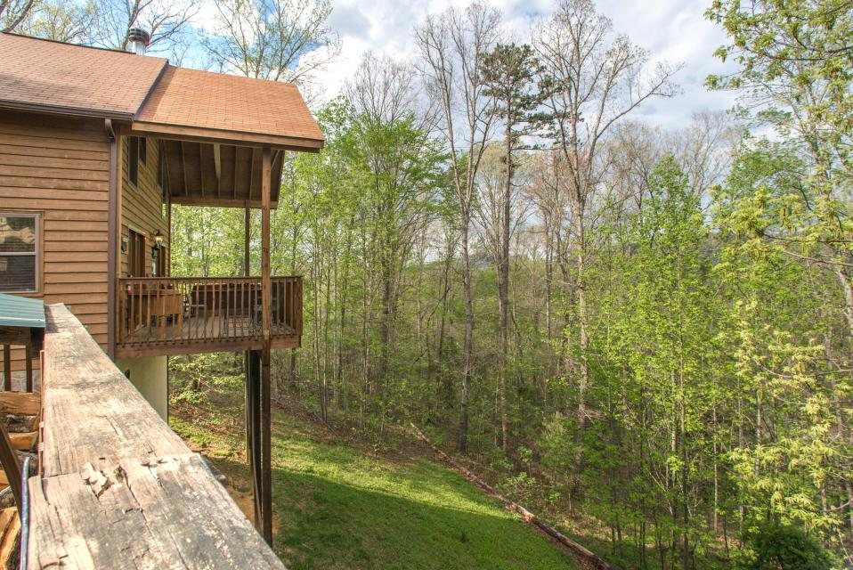 Mountain Breeze Cabin - Sevierville Vacation Rental - Photo 30