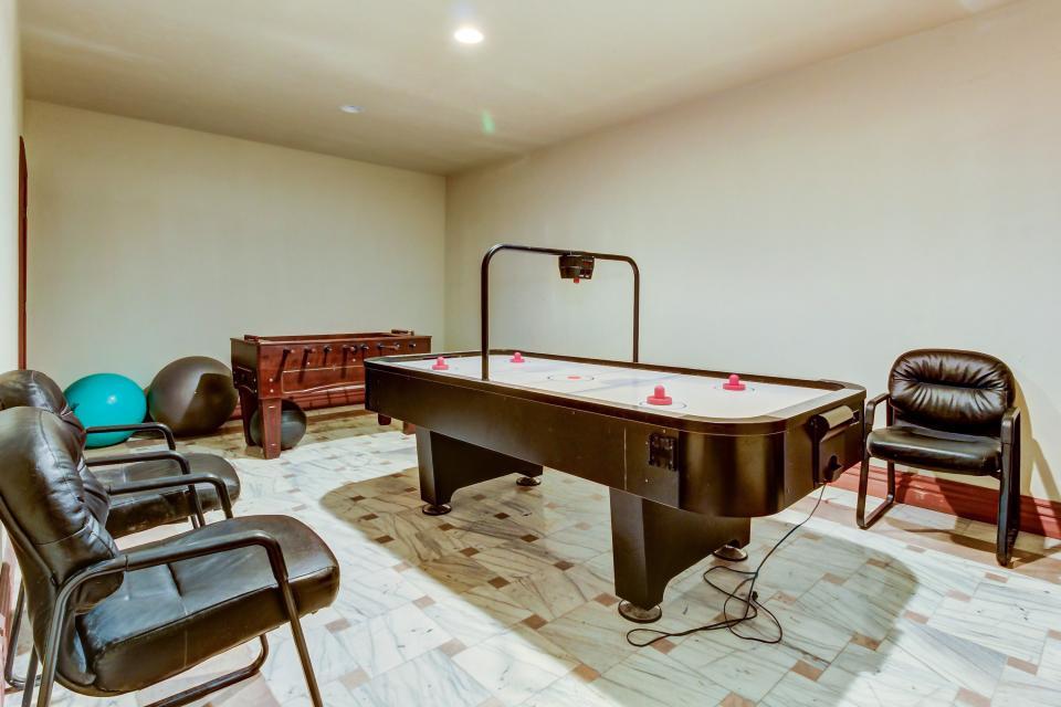 Stone Hill Retreat  - Midway Vacation Rental - Photo 54