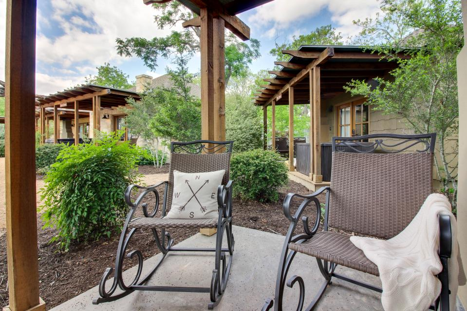 Wine Country Cottages On Main Petit Chateau Studio