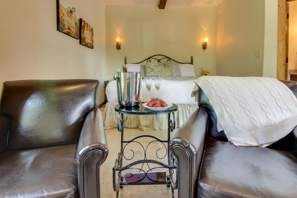 Wine Country Cottages on Main: Cuvee - Fredericksburg Vacation Rental - Photo 2