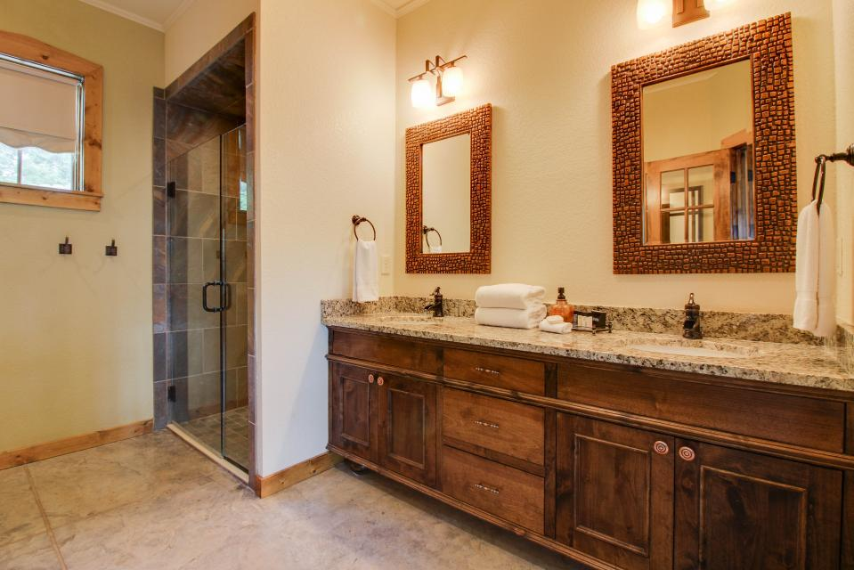Wine Country Cottages on Main: Cuvee - Fredericksburg Vacation Rental - Photo 11